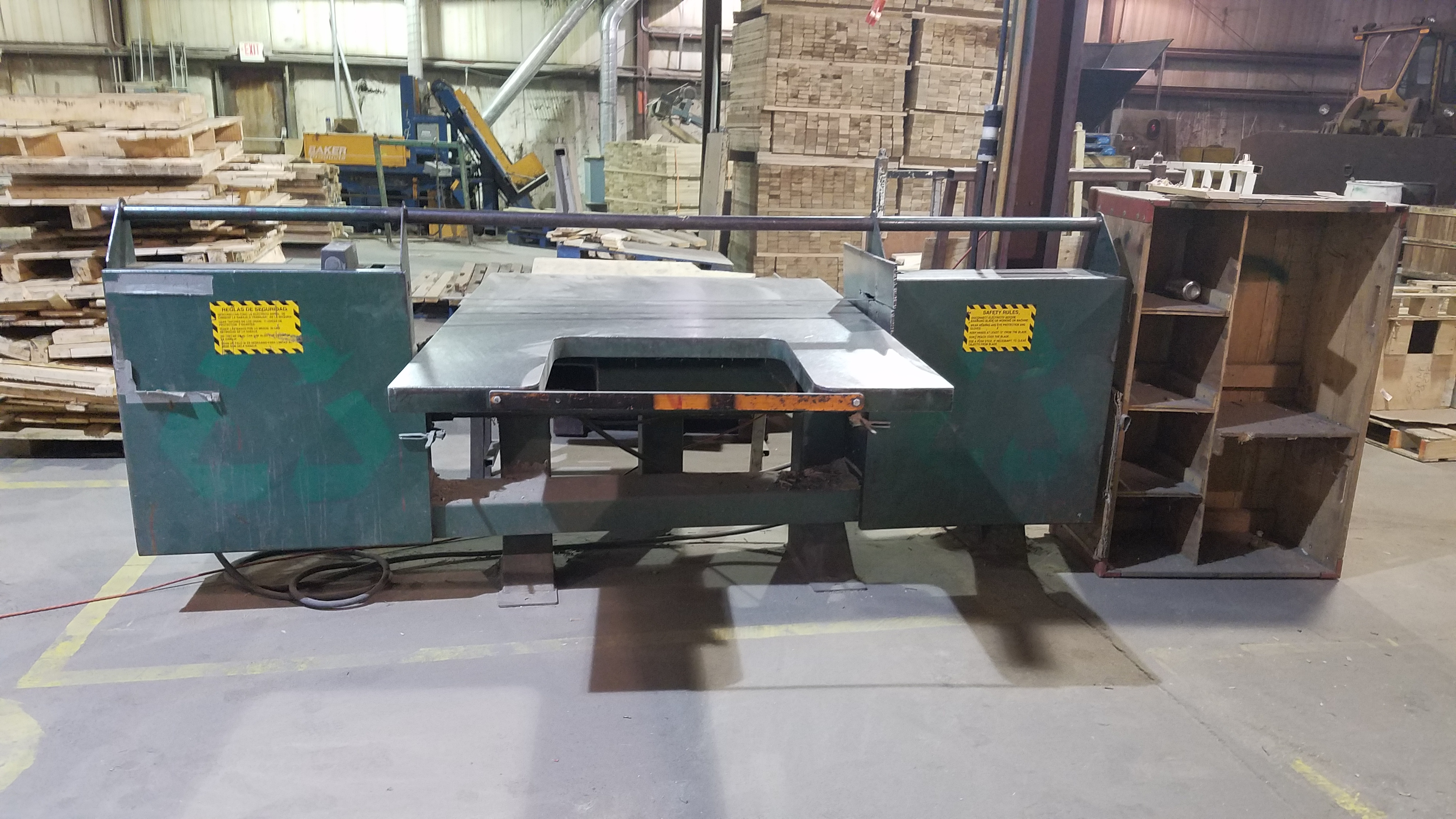 Smart Bandsaw Pallet Dismantler. PRS Group Inc   Pallet Repair Recycling Equipment and Supplies